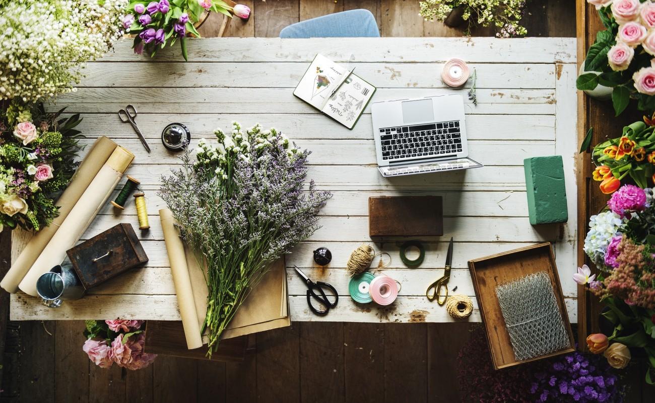 Fiolki Szpilki Przyssawki Akcesoria Florystyczne Florashop